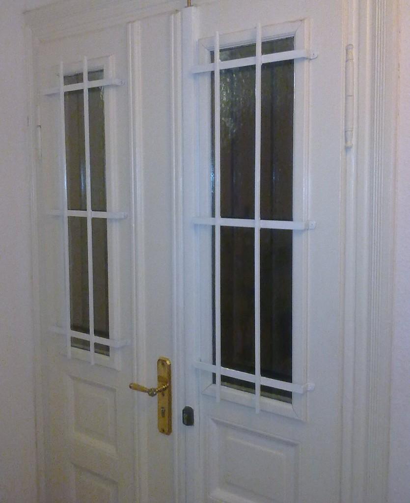 Einbau Fenstergitter und Stangenschloss durch unseren Schlüsseldienst